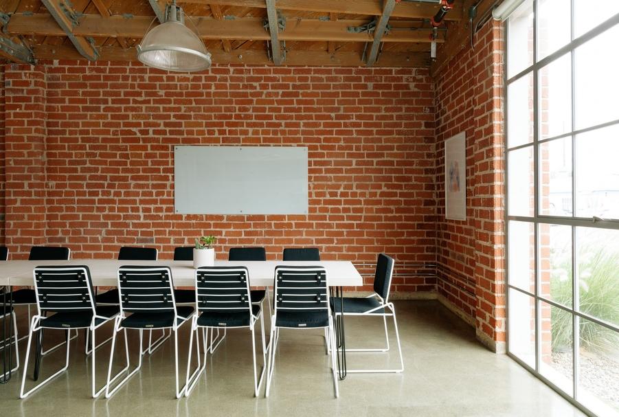 3 Ways Boardroom AV Solutions Boost Productivity