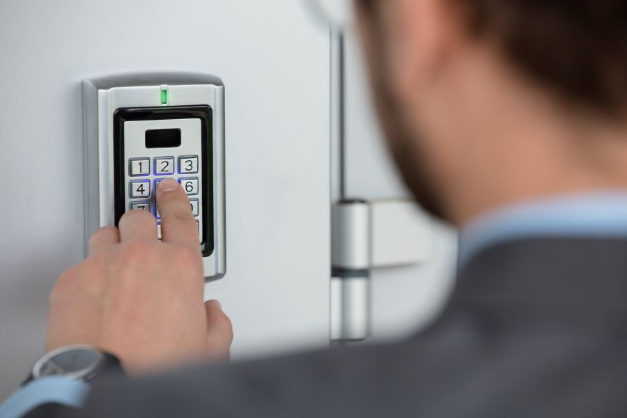 3 Considerations for Choosing a Commercial Door Entry System