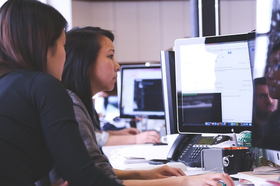 How Technology Helps You Resolve Common Office Complaints