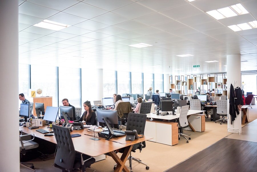 Five Advanced Ways to Use Commercial Lighting Control for Your Business