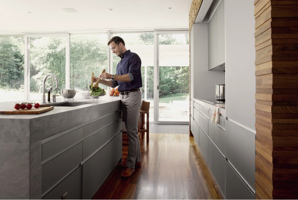 How to Enjoy Hands-Off Control in Your Smart Home